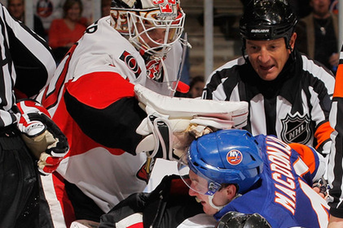 Don't mess with Robin Lehner.