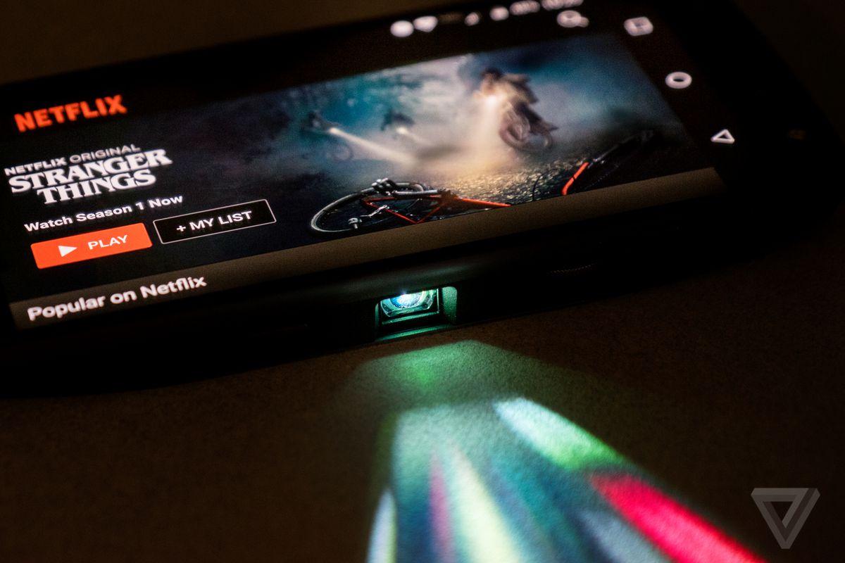 Moto Z projector final