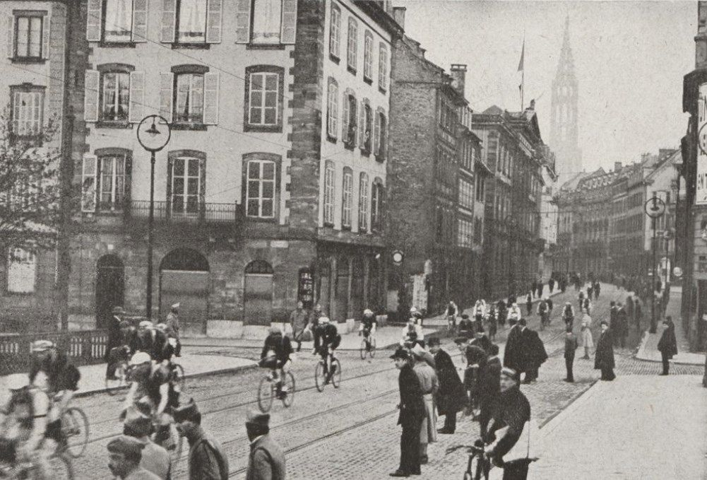 Setting off. Riders in the Tour of the Battlefields make their way through the streets of Strasbourg.