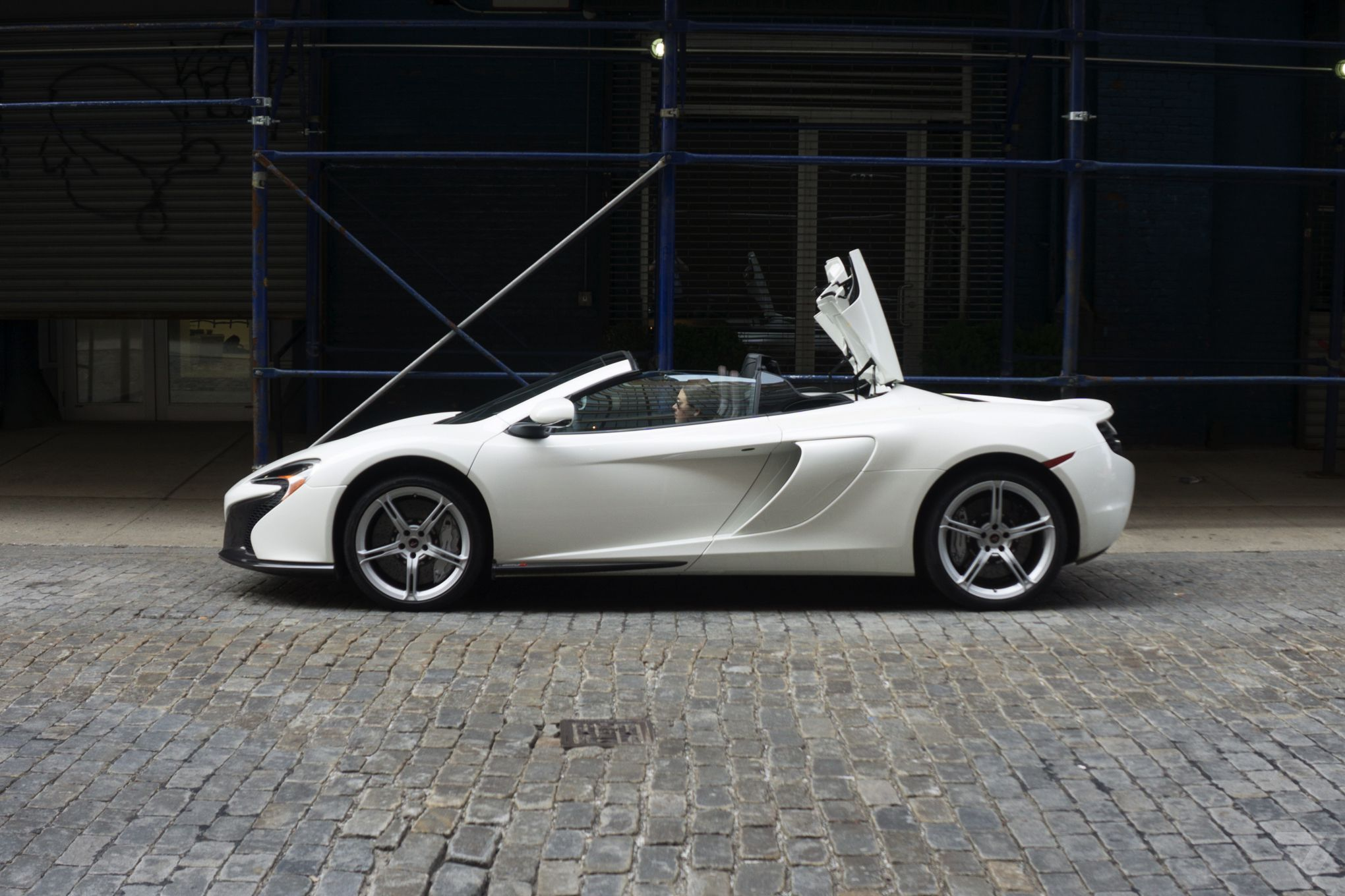 Things I Learned Driving A Supercar For The First Time The Verge - Sport car driving