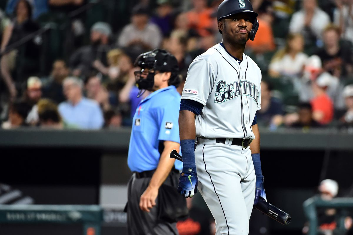 Mariners get their tank back on, fall 5-3