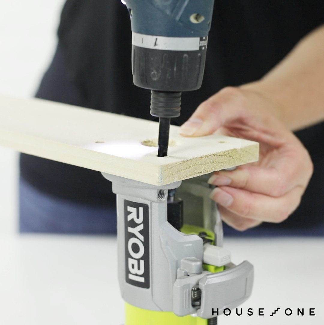 Creating a DIY router circle for a jig saw