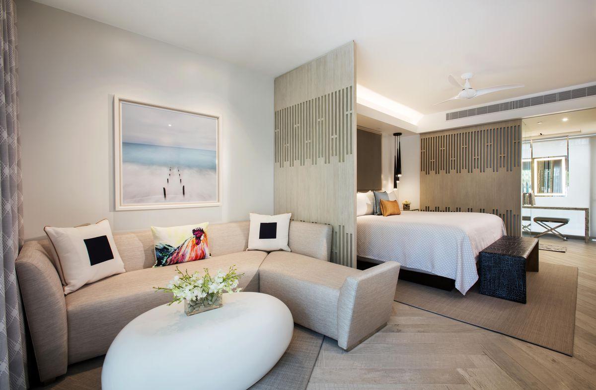 Auction Hotel Rooms Miami