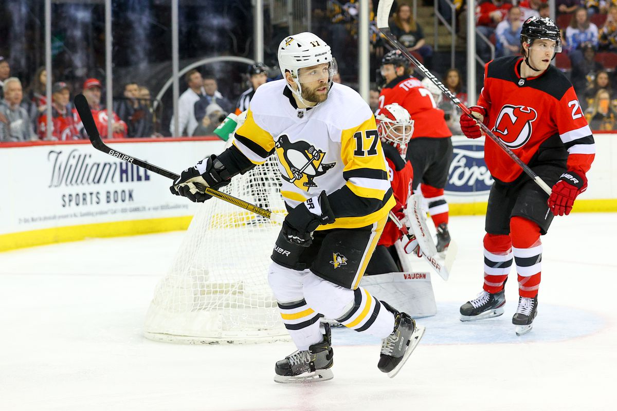 NHL: MAR 10 Penguins at Devils