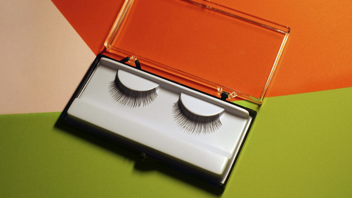 The Beginners Guide To Eyelash Extensions Racked