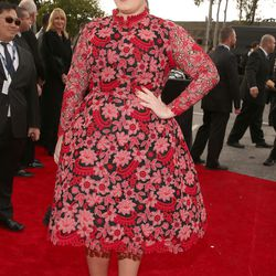 Adele's retro Valentino recalled a tea cozy, or some other well-intentioned home ec. project.