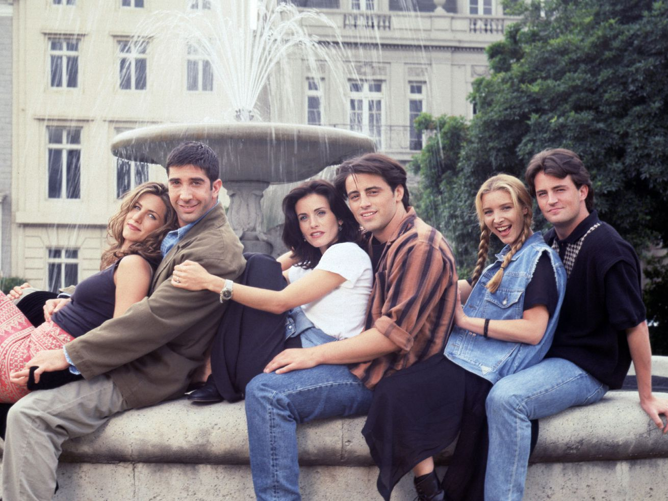 "The cast of NBC's ""Friends,"" from left, Jennifer Aniston, David Schwimmer, Courteney Cox, Matt LeBlanc, Lisa Kudrow and Matthew Perry in 1994."