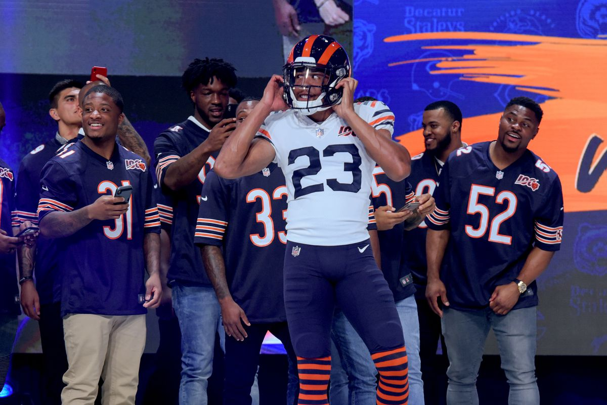 best service 95b0e 80a5c Bears unveil new throwback uni: White jersey, striped socks ...