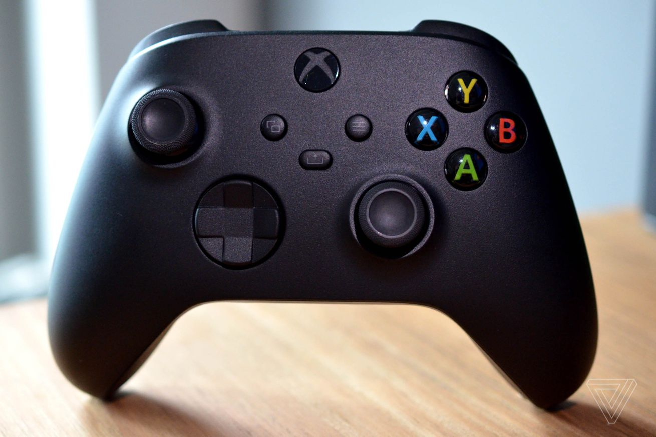 How to swap your Xbox Series X controller's connection between your Xbox and a phone or PC