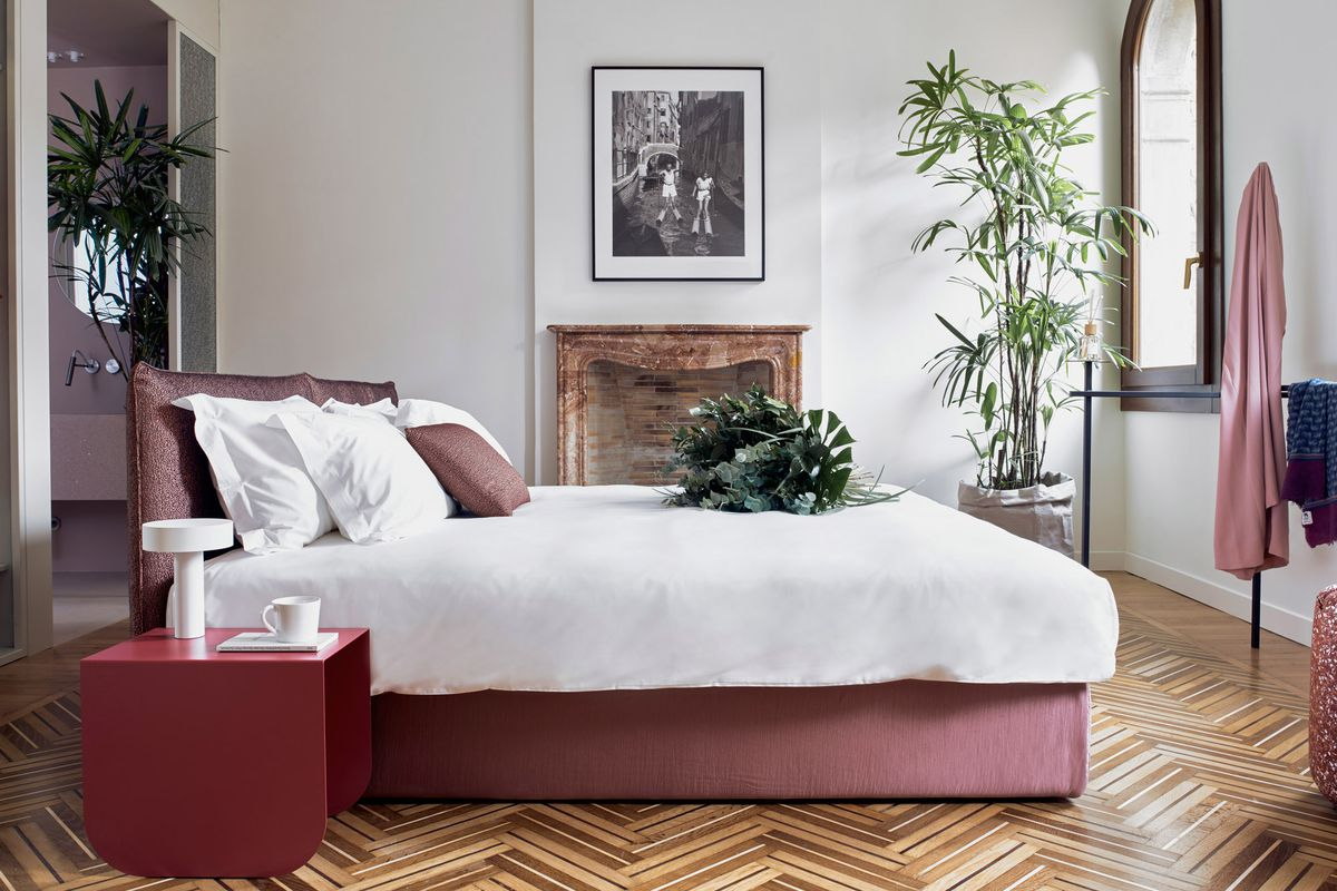 Modern Furniture Reinvents This Traditional Venetian