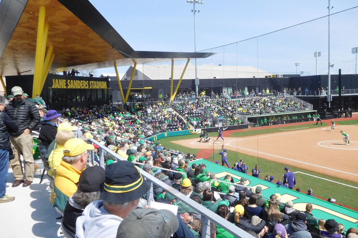 Oregon clinches spot in the Women's College World Series