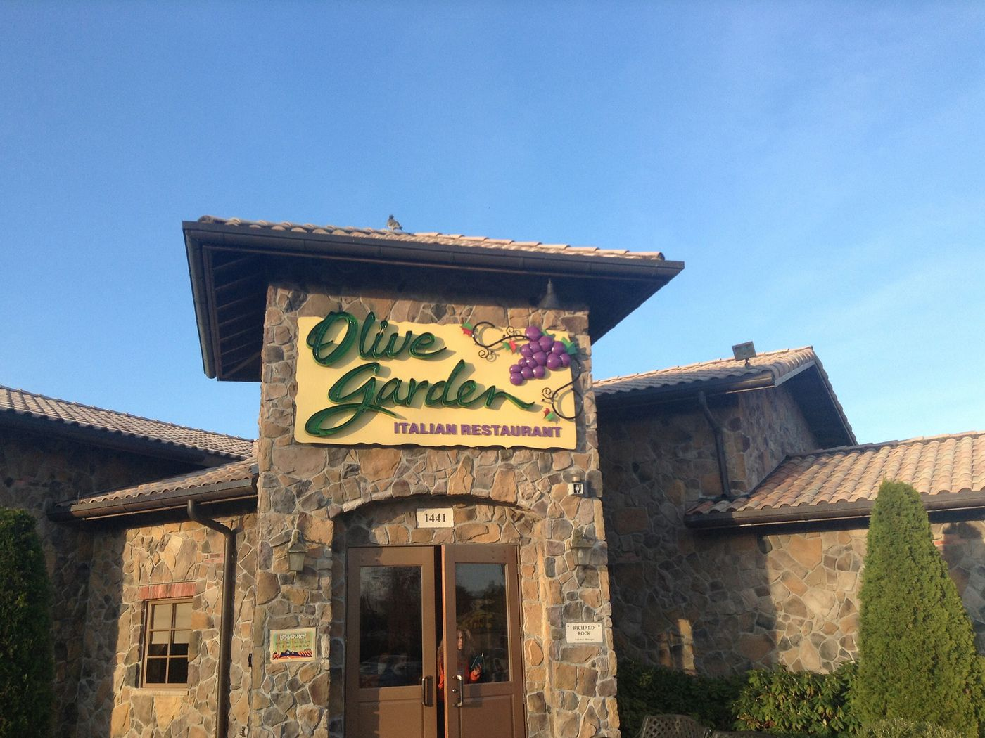 Olive garden restaurant locator garden ftempo for Olive garden locations near me