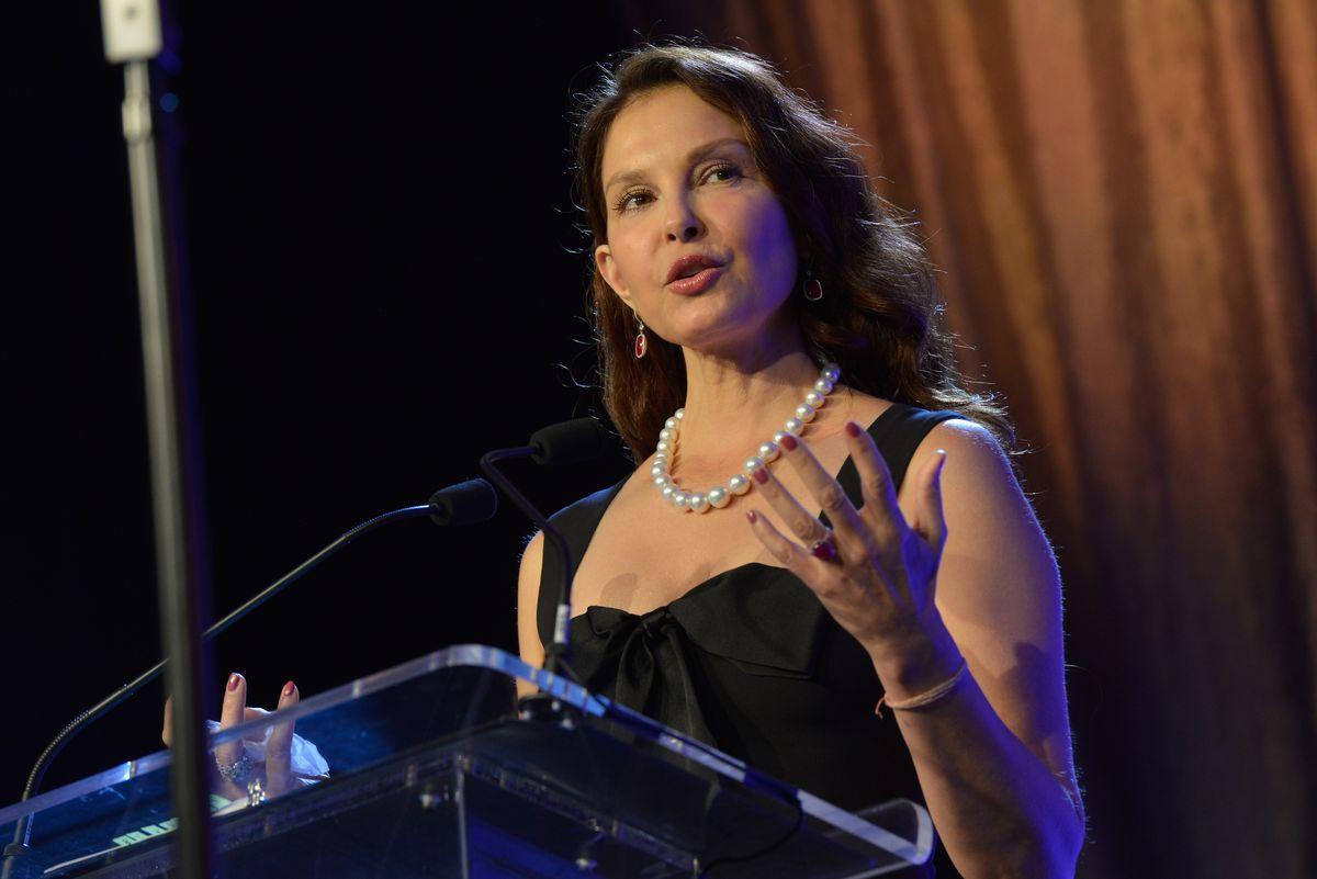 Ashley Judd at the 2017 Muhammad Ali Humanitarian Awards