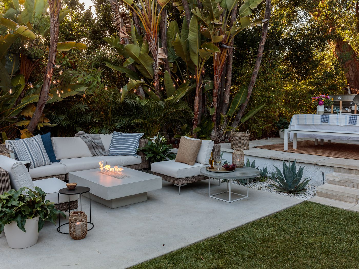 Enjoyable Outdoor Furniture Startup Outer Wants To Turn Your Backyard Home Interior And Landscaping Ologienasavecom