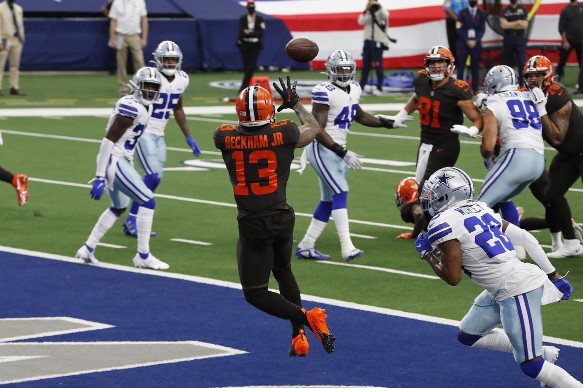 Cleveland Browns wide receiver Odell Beckham Jr. catches a touchdown pass against Dallas Cowboys cornerback Daryl Worley in the second quarter at AT&T Stadium.