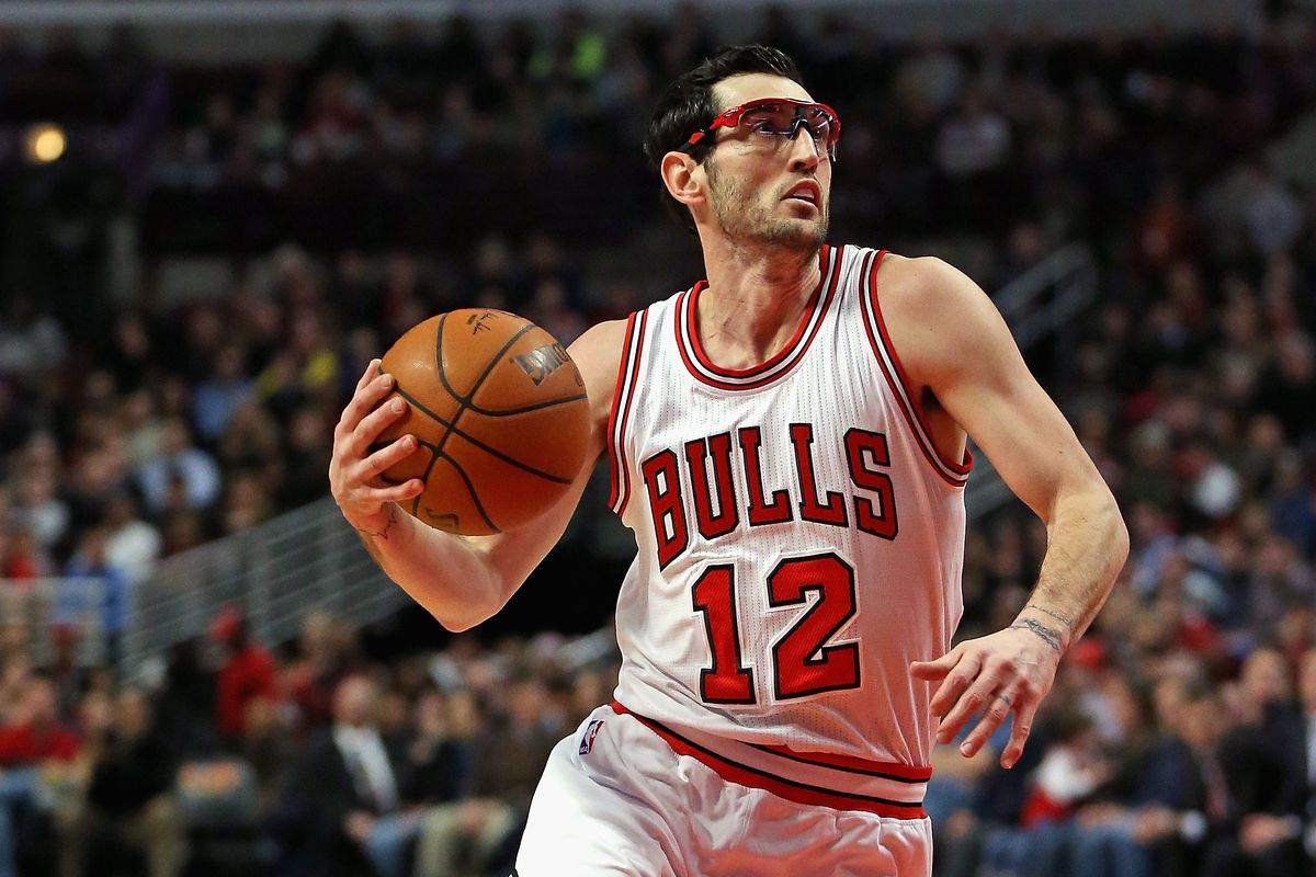 Will it just be Kirk Hinrich at PG against the Warriors ...