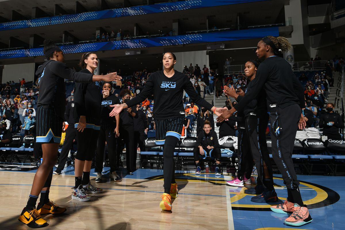 2021 WNBA Semifinals - Connecticut Sun v Chicago Sky - Game Three