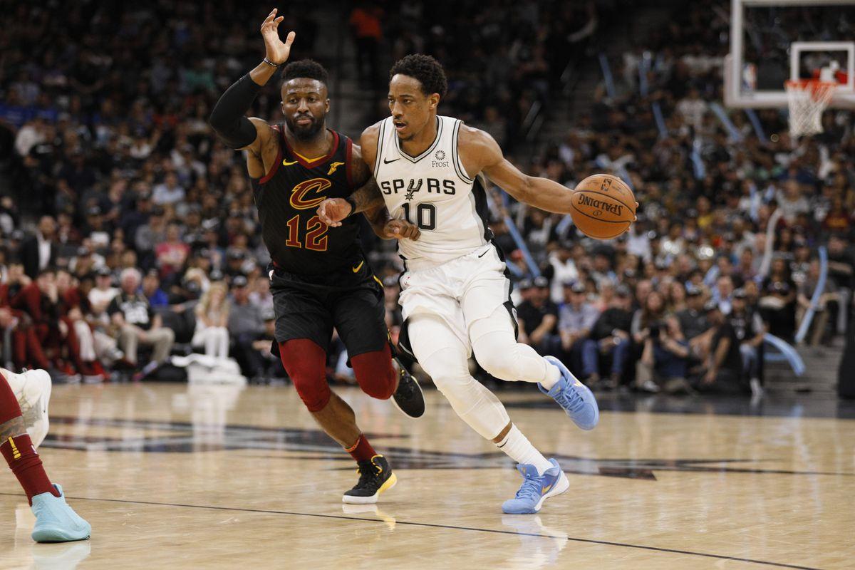 huge discount 7e4ca 618e5 DeMar DeRozan leads Spurs to win over Cavaliers in Manu's ...