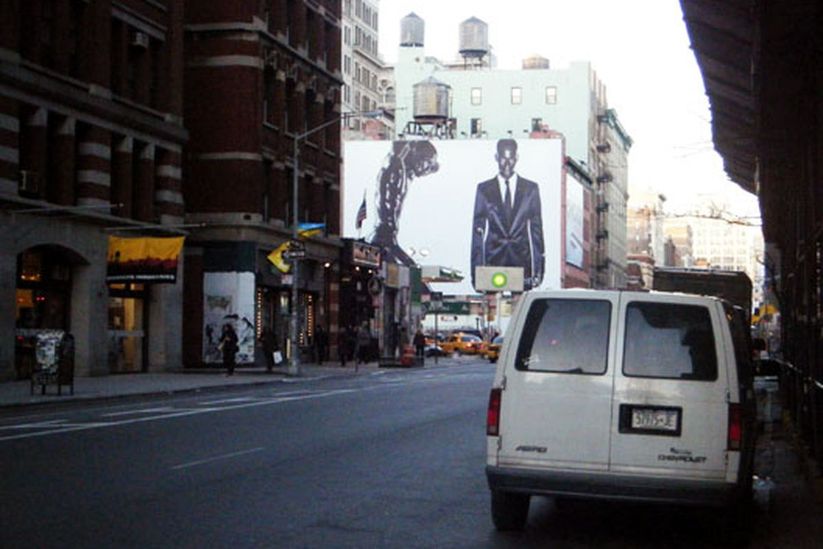 """What our <a href=""""http://ny.racked.com/archives/2010/01/29/latest_calvin_klein_billboard_is_scandalous_in_a_whole_new_way.php"""">handsome naked friend</a> looks like from three blocks away"""