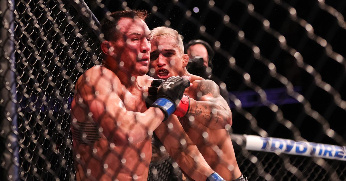 Charles Oliveira responds to Conor McGregor: Beat Dustin Poirier, then 'I'll put you on your ass'