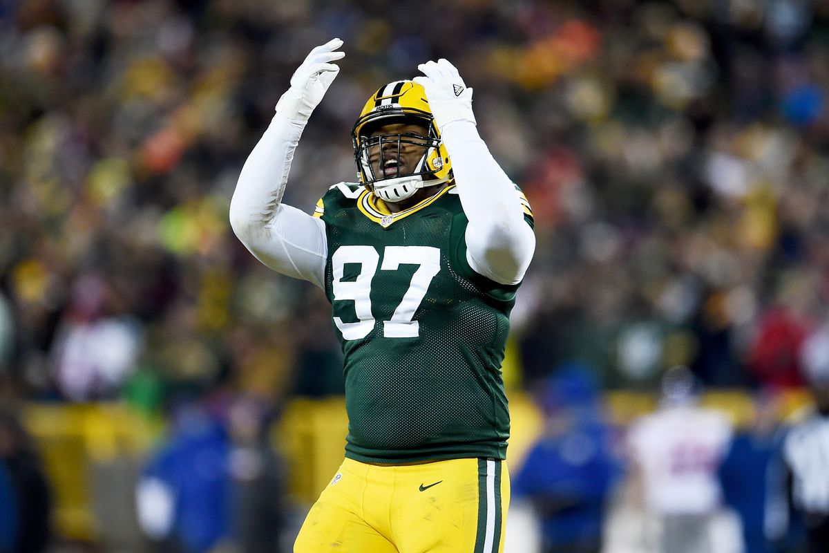 classic fit 9ace7 fd7fc Packers DL Kenny Clark starting to gain recognition - Acme ...