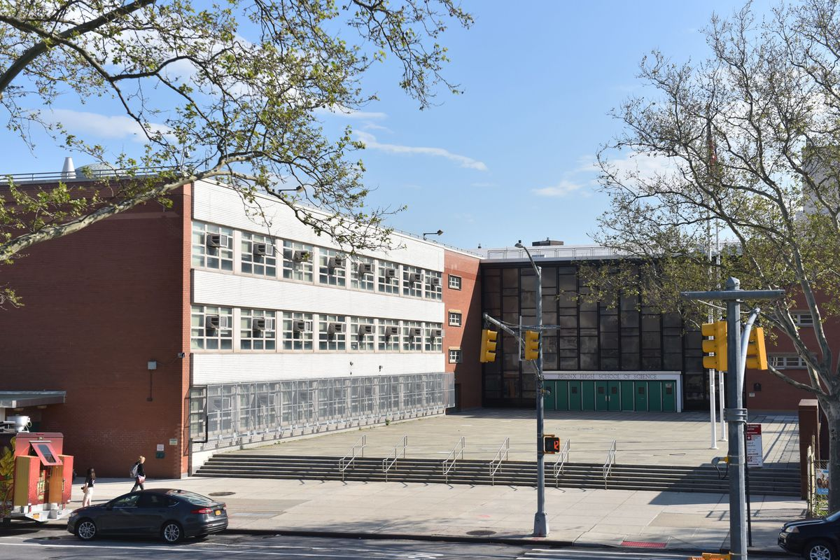 The Bronx High School of Science is one of the city's specialized specialized high school in the Bronx, New York.