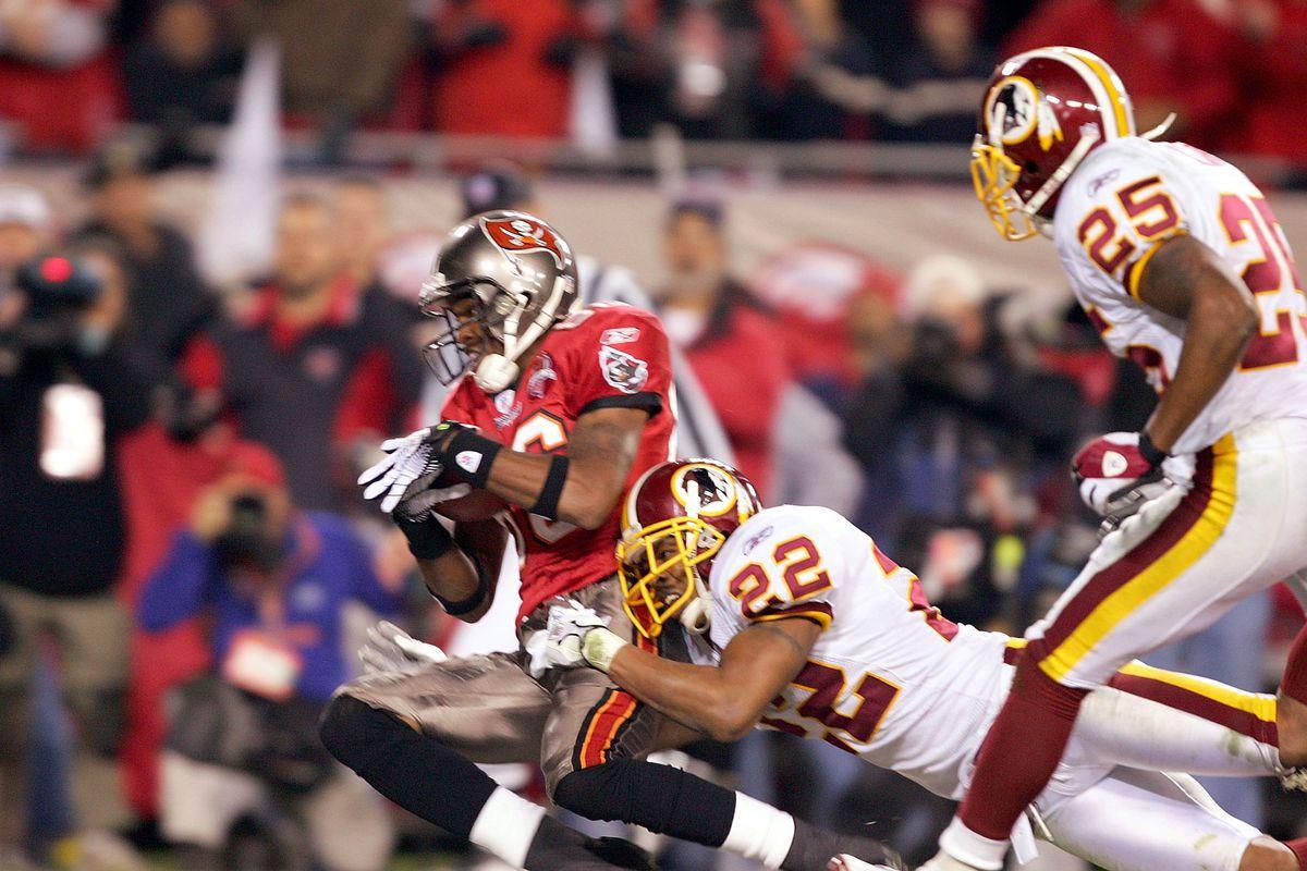 Washington Redskins v Tampa Bay Buccaneers - Wild Card Game