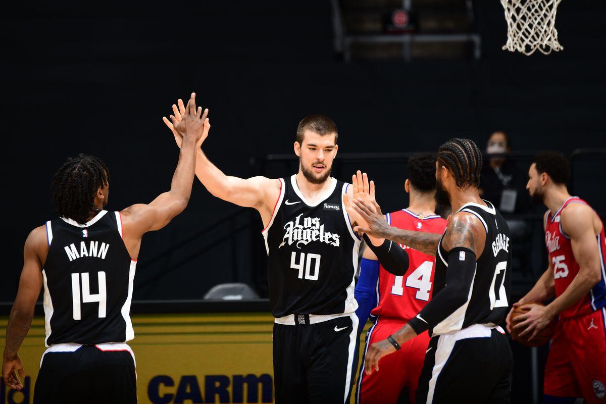 Philadelphia 76ers v LA Clippers