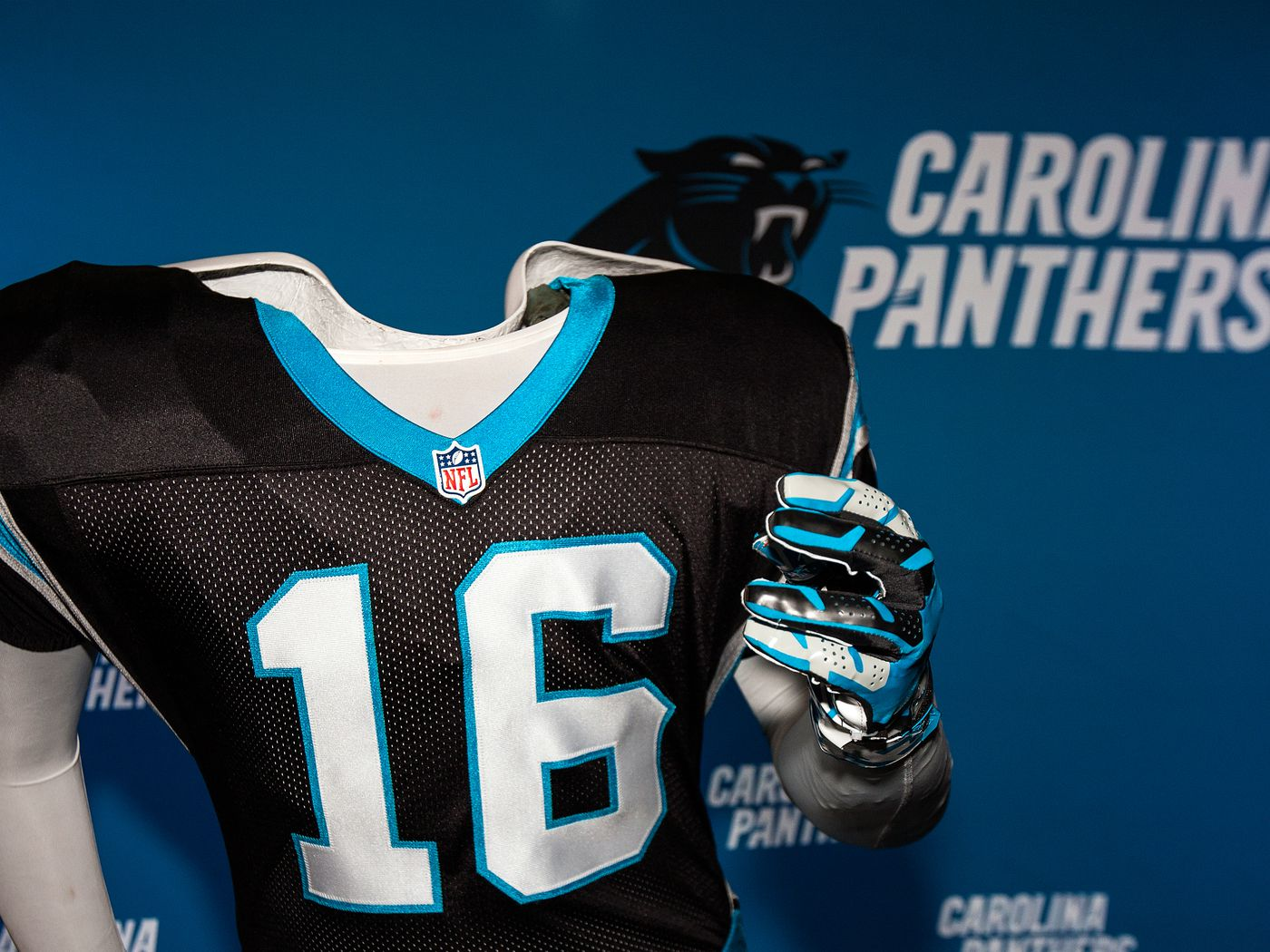 024b6eb7 It's time for the Carolina Panthers to upgrade their uniforms - Cat ...