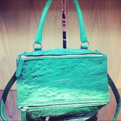 "<a href=""http://instagram.com/p/bgvTQ-uBYw/"">@barneysnyofficial</a>: ""Our current handbag crush... #givenchy #insidebny"""