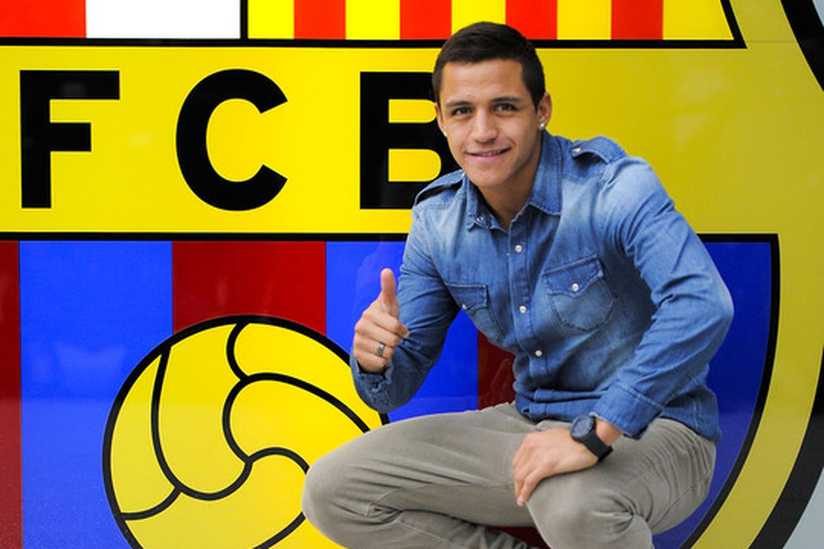 BARCELONA, SPAIN - JULY 24:  Alexis Sanchez from Chile is presented as a newly signed player for FC Barcelona at Camp Nou sports complex on July 24, 2011 in Barcelona, Spain.  (Photo by David Ramos/Getty Images)