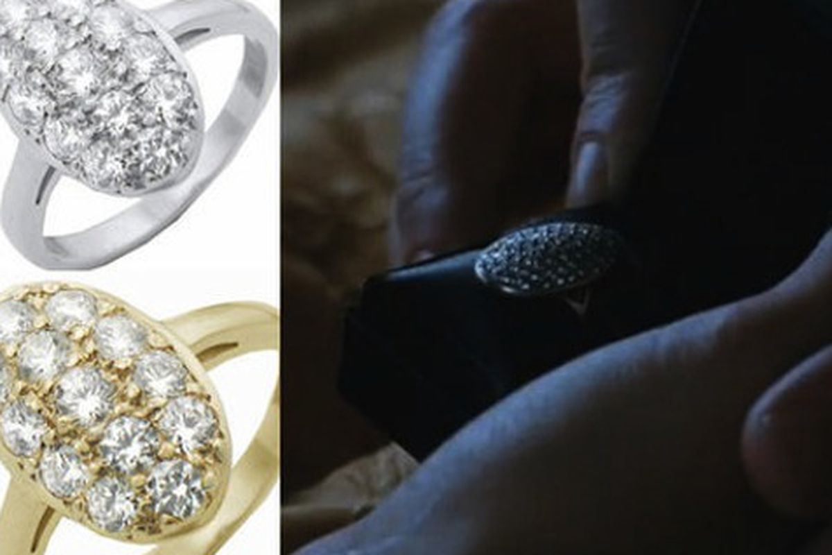 """Brings a whole new meaning to """"blood diamond."""" Image via <a href=""""http://jezebel.com/5525694/buy-a-twilight-engagement-ring--your-love-will-never-die"""">Jezebel</a>."""