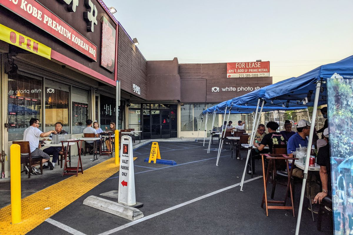Koreatown S Outdoor Dining Is Starting To Resemble South Korean Pochas Eater La