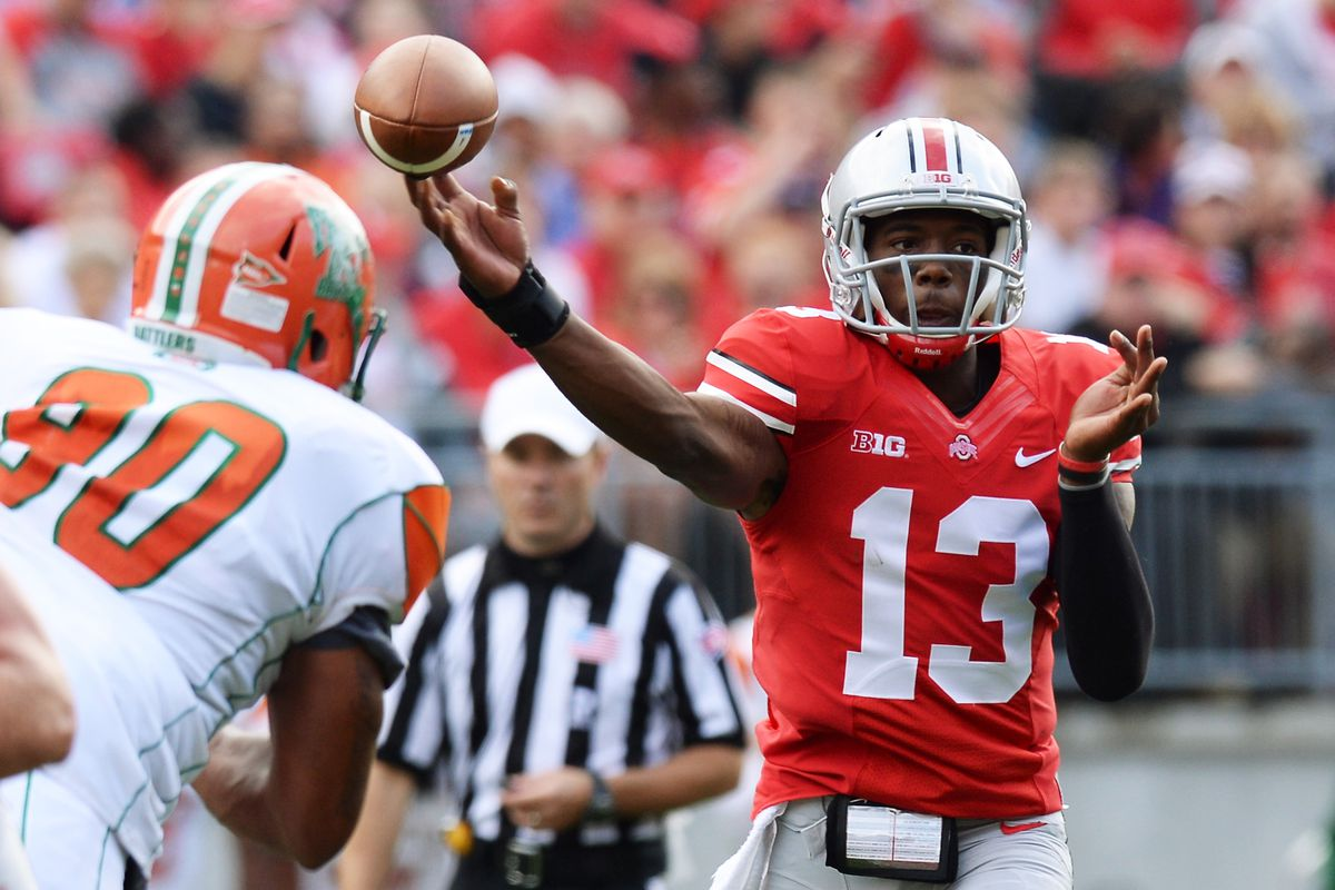 Ohio State quarterback Kenny Guiton has been named co-winner of Big Ten Player of the Week for the second straight week