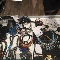 The jewelry case