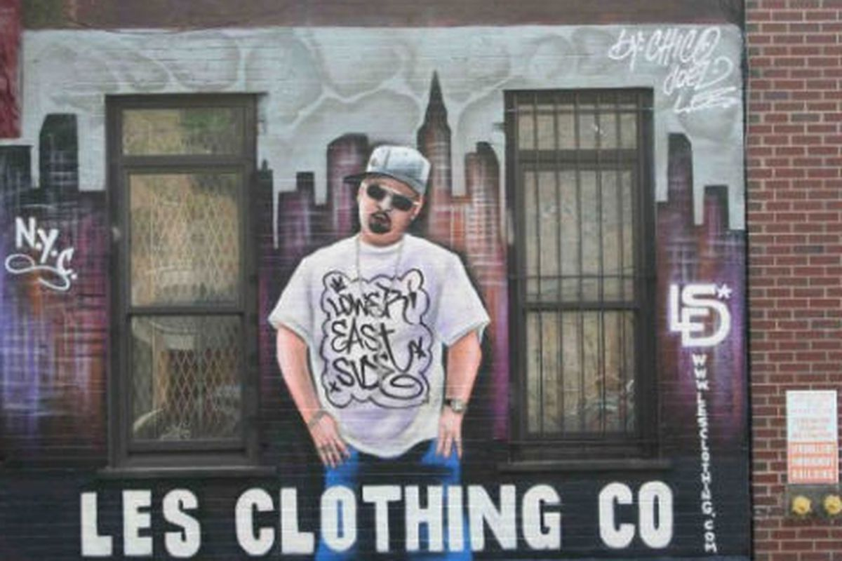 """Image via <a href=""""http://www.boweryboogie.com/2011/07/lower-east-side-clothing-co-teams-up-with-chico-for-murals/"""">Bowery Boogie</a>"""