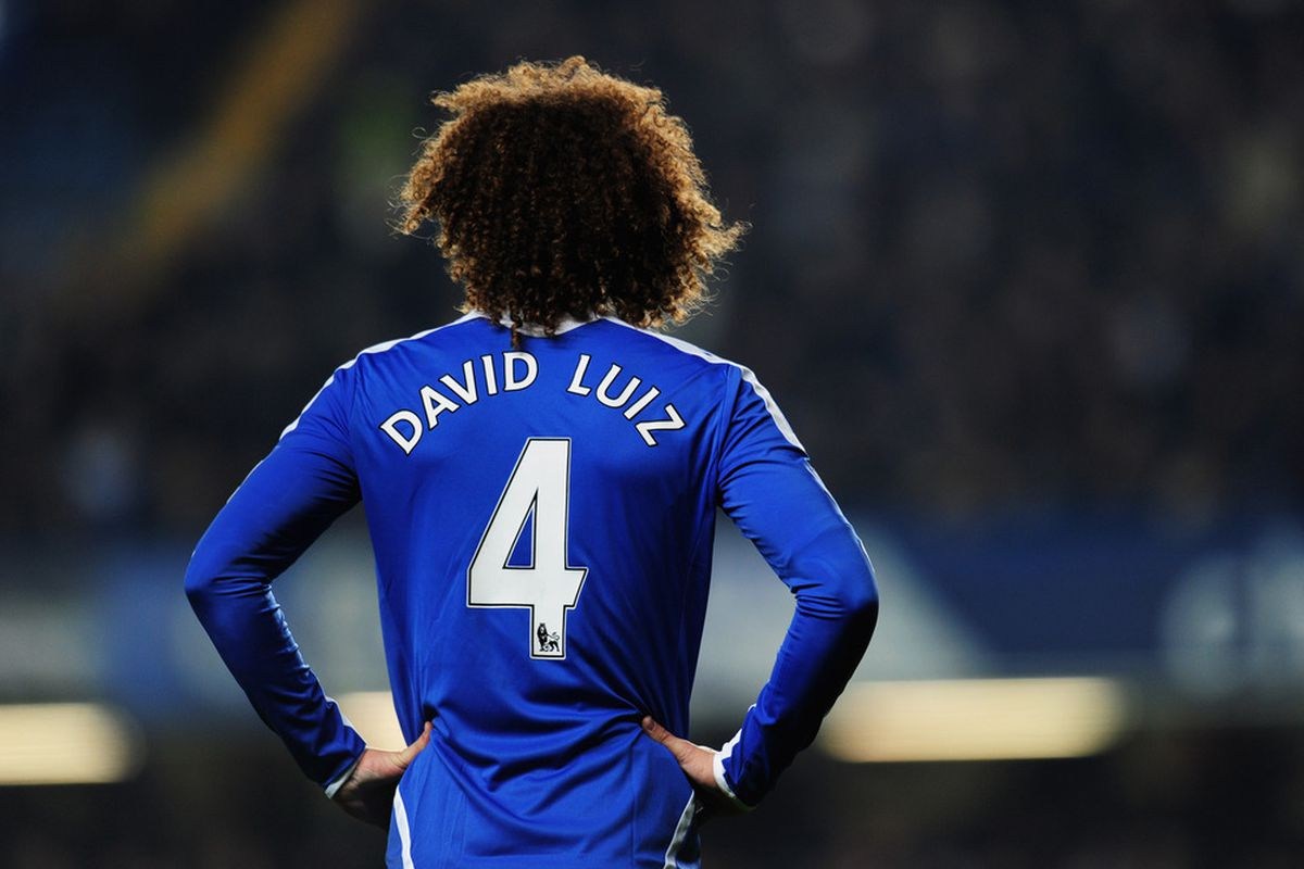 It is looking increasingly unlikely that Chelsea defender David Luiz will be available for Wednesday's Champions League clash with Barcelona