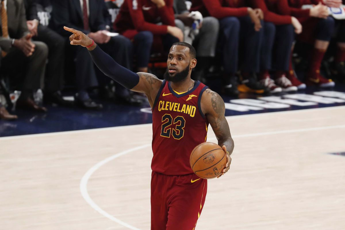 b9463962962 LeBron James is at his best when Cleveland Cavaliers are falling ...