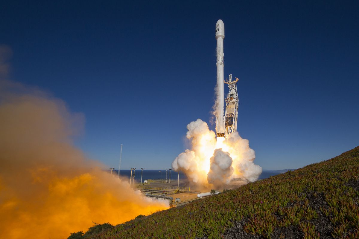 Watch a SpaceX Falcon 9 rocket launch 10 satellites into orbit