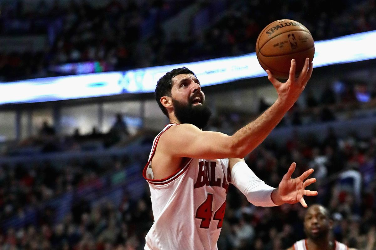 Bulls' Nikola Mirotic out 4-6 weeks, Bobby Portis suspended eight games