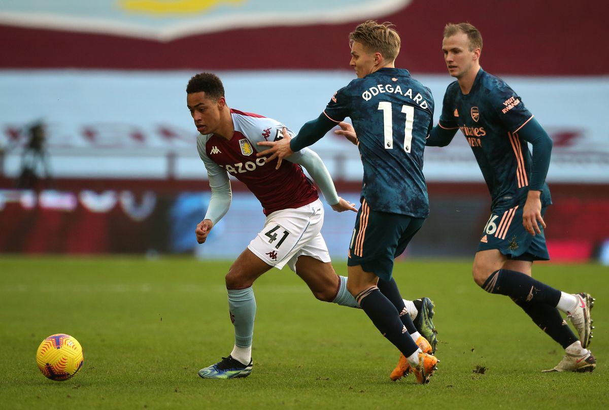 Aston Villa v Arsenal - Premier League - Villa Park