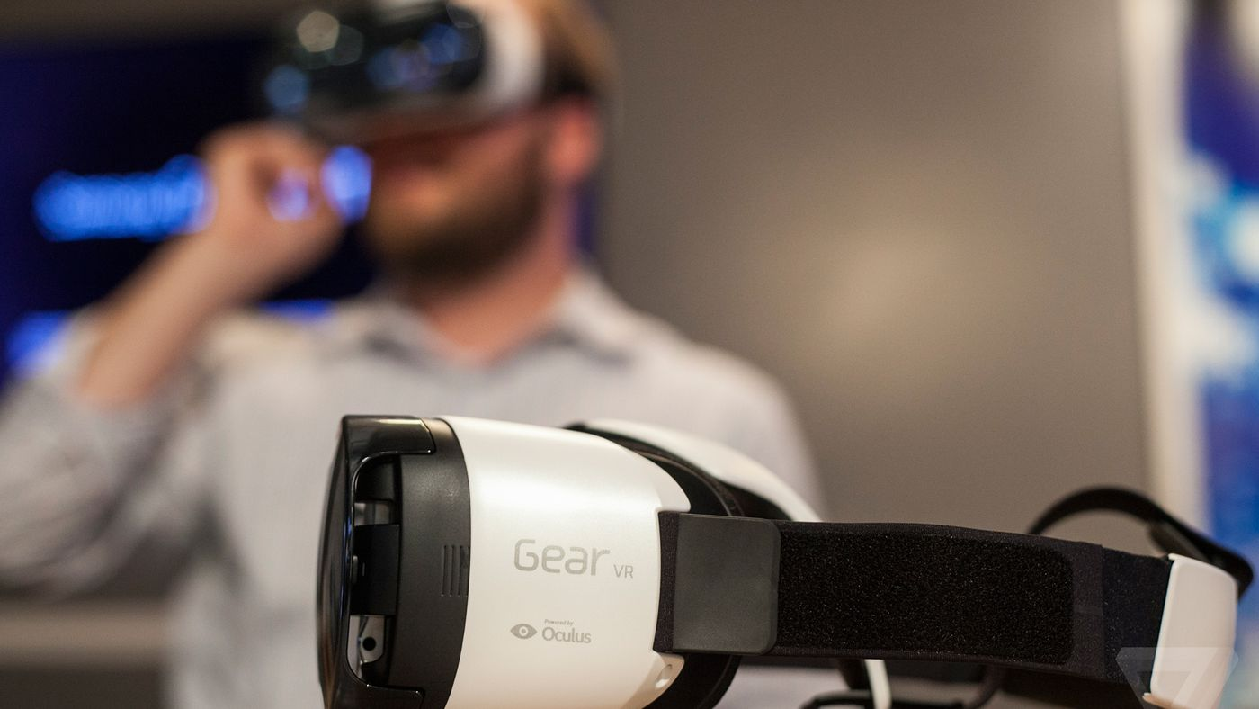 Samsung is keeping the Gear VR in stasis, and that might be fine