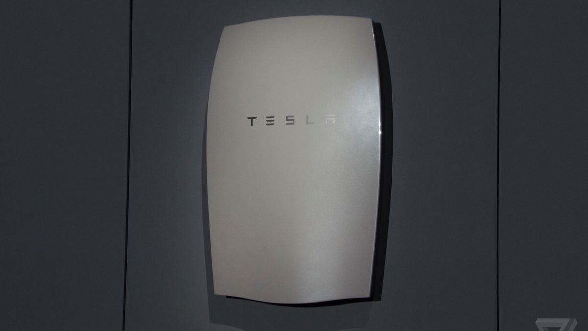 Tesla Home Battery >> Tesla S Powerwall Home Battery Comes In These Lickable