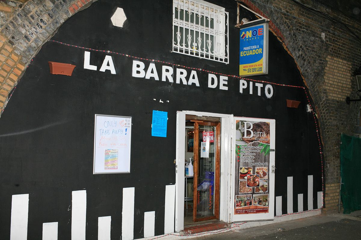 La Barra, a Colombian restaurant in Elephant and Castle, which serves outstanding Domincan fried chicken