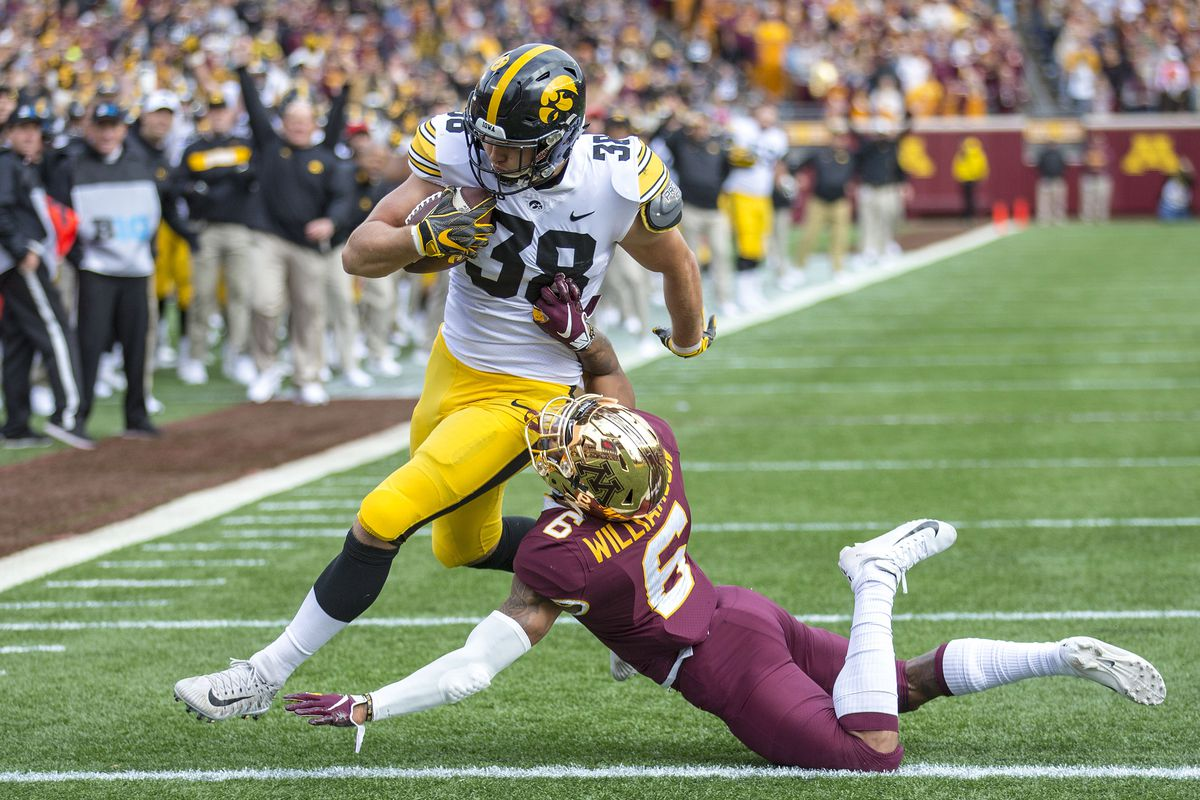 Trick Play Of The Week How Iowa Used The Rulebook And The History Book Against Minnesota