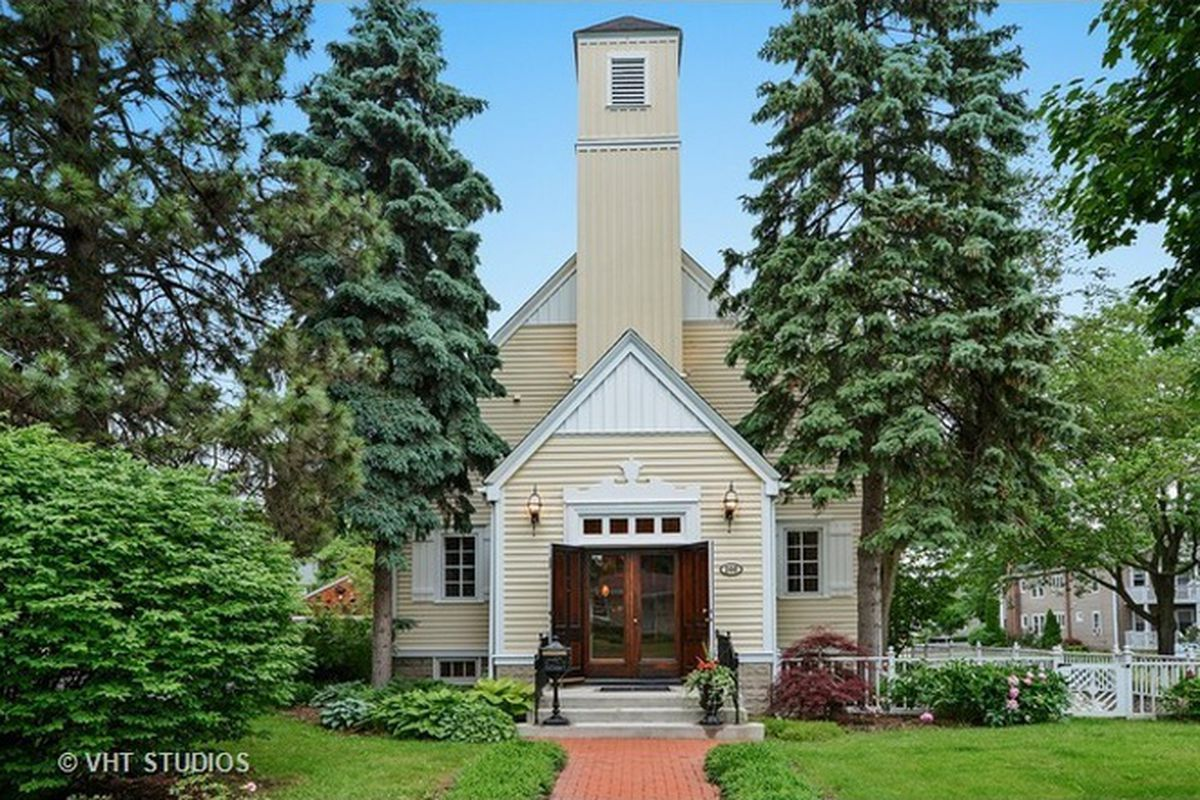 live inside this church turned unique single family home for 549k curbed chicago. Black Bedroom Furniture Sets. Home Design Ideas