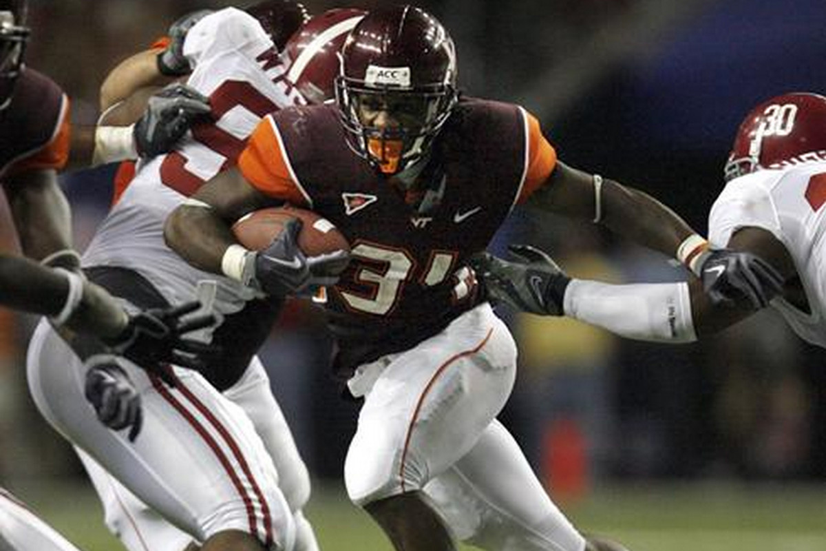 Ryan Williams rushes in the 2009 meeting of the Hokies and the Crimson Tide in the Chick-Fil-A Kickoff game.