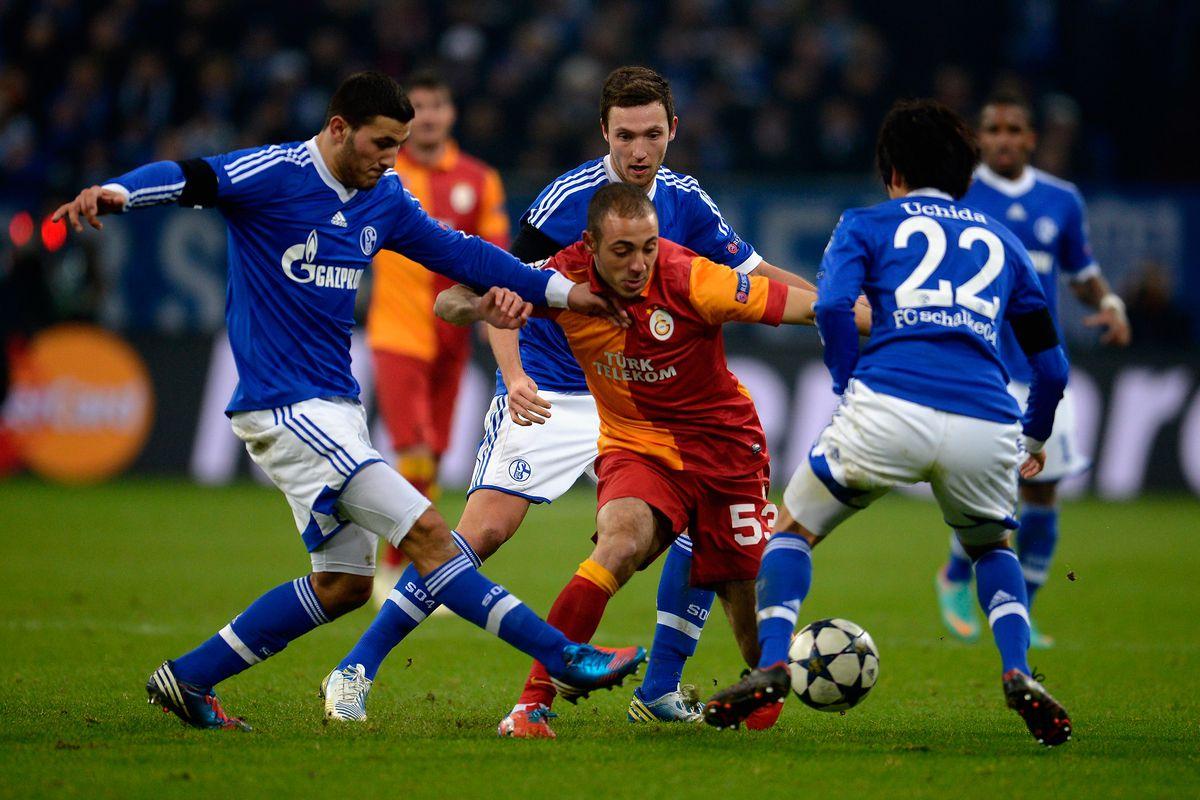 Nordin Amrabat in action for Galatasaray in a CL tie against Schalke FC