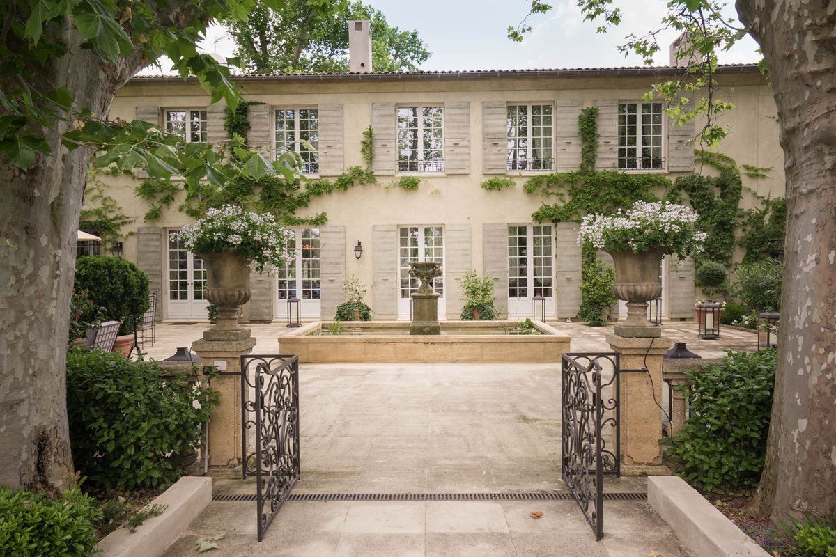 French Countryside Villa Yours For 6 9m Curbed