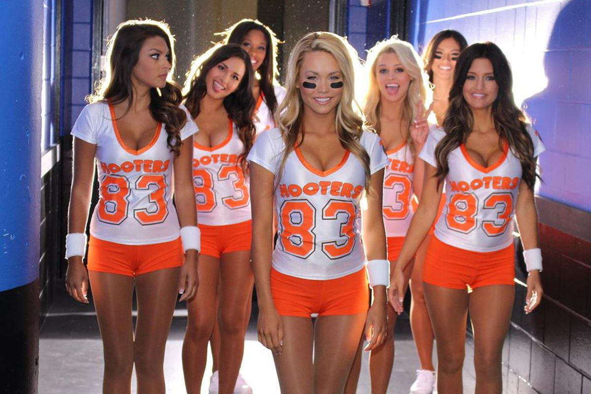 Hooters in Phoenix, Arizona is where many locals like to go for drinks and tasty snacks. Hooters is a hotspot for those to relax at after a tough day at work or to watch a big event like the Super bounddownloaddt.cfe: American.